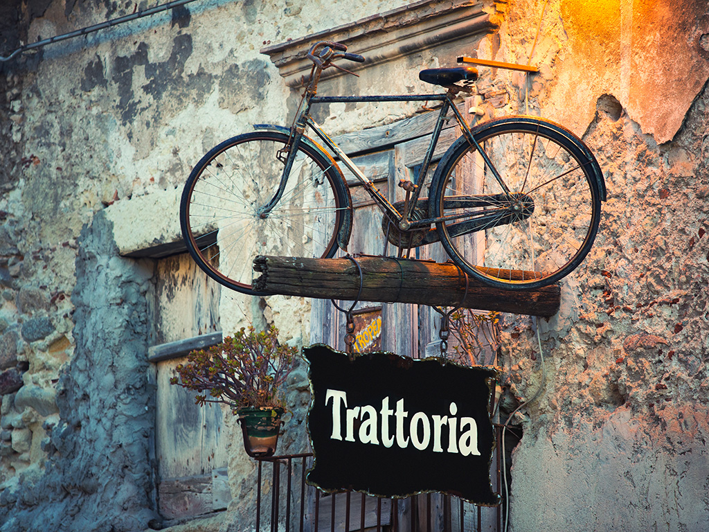 HOLIDAY FARMS AND TRATTORIE