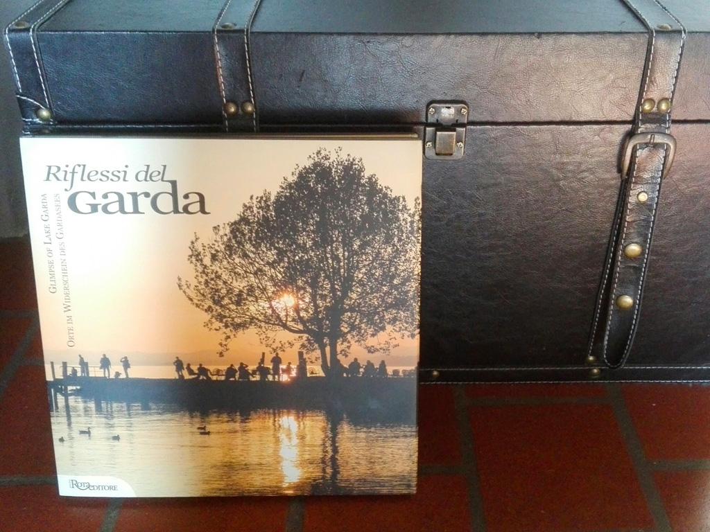 garda lake illustrated book